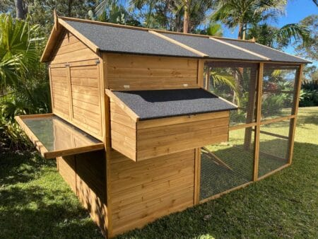 Homestead With Pullout Tray and Waterproof Asphalt Roof