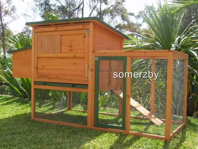 Bungalow rabbit hutch