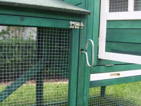 Mansion Guinea pig hutch secure locks