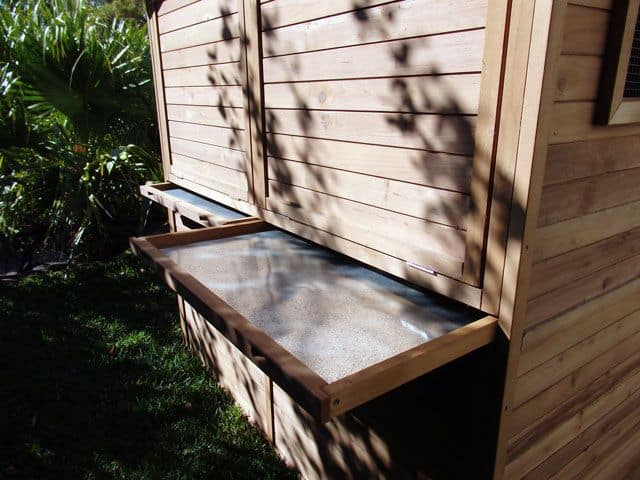 Side pullout tray for catio