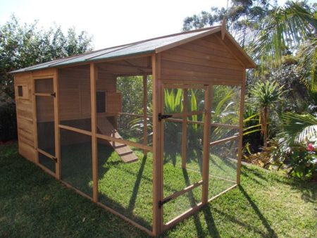 Somerzby Catio side view
