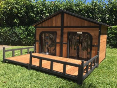 Dog House Grand with Spacious front deck porch