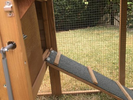 Safety Ramp for your Pets - Chalet