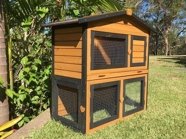 Villa guinea pig hutch black and brown
