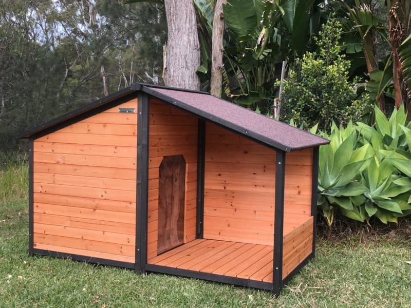 The Somerzby XXL Dog House Royale